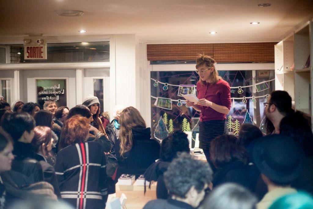 Julie Delporte lors du festival d'ouverture de la librairie. Photo par Flamme.